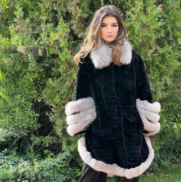 Дамско палто от бобър 75HILTON MILIOS FURS