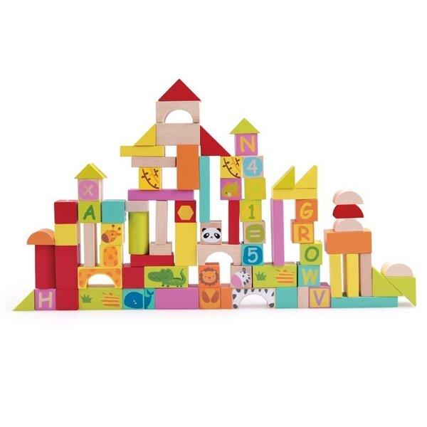 Образователен конструктор с различни видове дървени блокчета