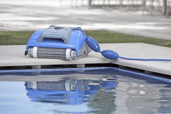 Dolphin М200 - За басейни с дължина до 10 м. - ТЕСТ срещу депозит и наем