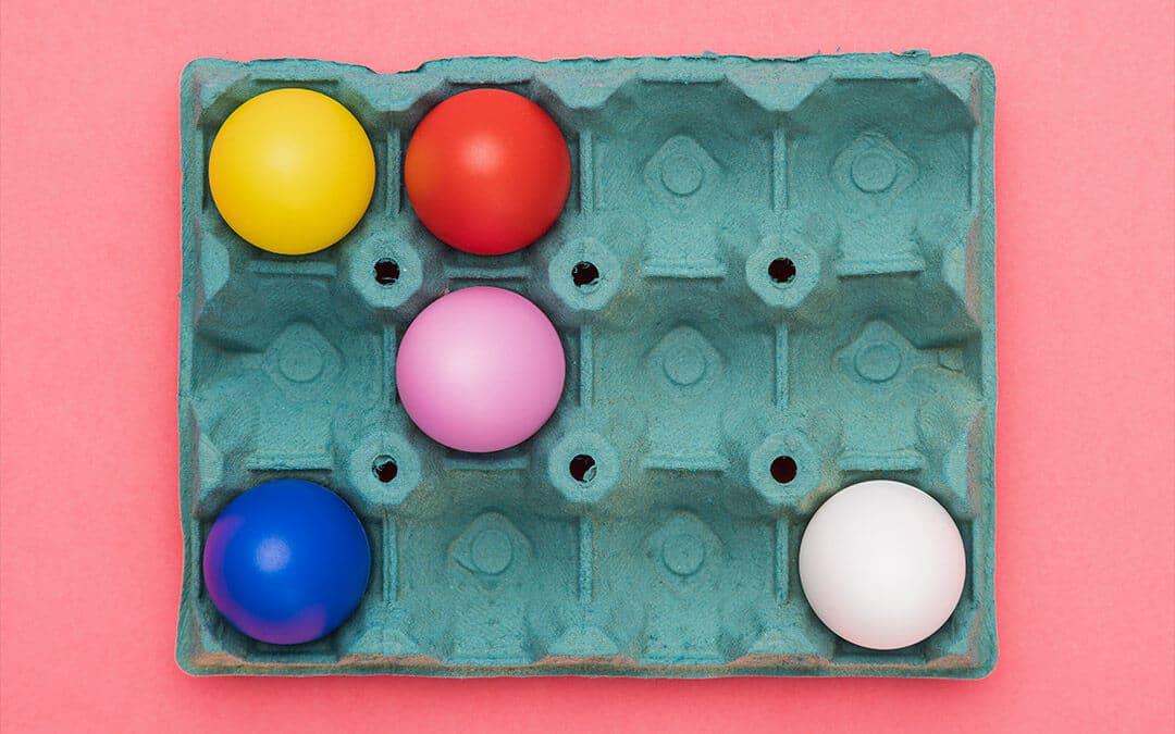 Естествени бои за яйца - 10 изпитани рецепти с натурални съставки