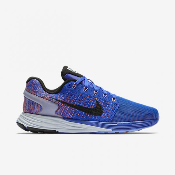 Online store for fitnes sneakers