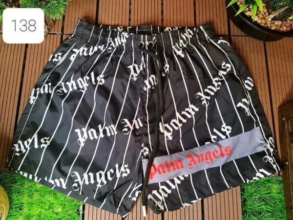 schwarze kurze Hose Palm Angels mit weißer Schrift