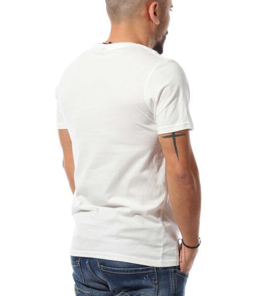 Свежа тениска с апликация