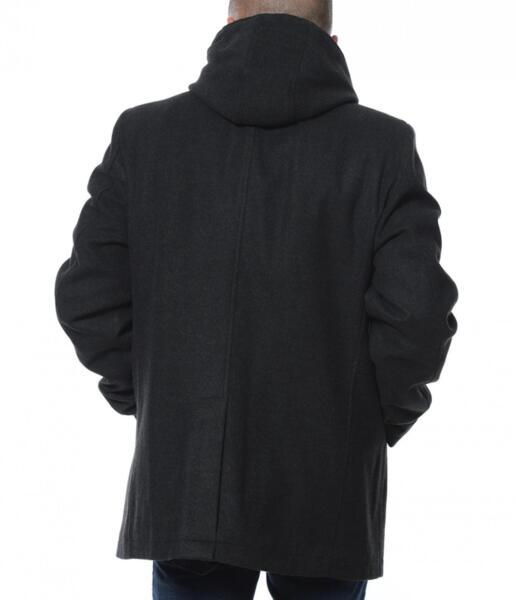 Зимно палто с подвижна яка