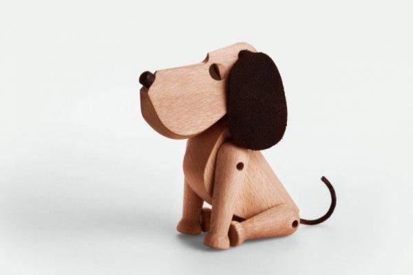Куче Оскар, дървено