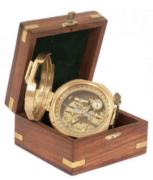 Компас - TRINIDAD в дървена подаръчна кутия