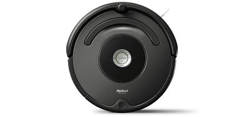 Зарядната станция служи за зареждане на батерията на робота. Роботът напуска зарядната станция, когато натиснете бутона CLEAN. Roomba се връща обратно на зарядната станция сам, когсто приключи почистването, за да се зареди за следващия почистващ цикъл.