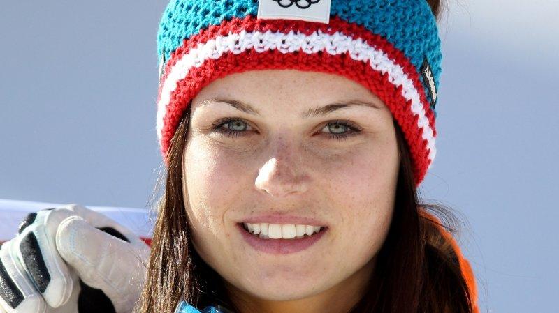 Болно коляно слага край на сезона за Ана Фенингер