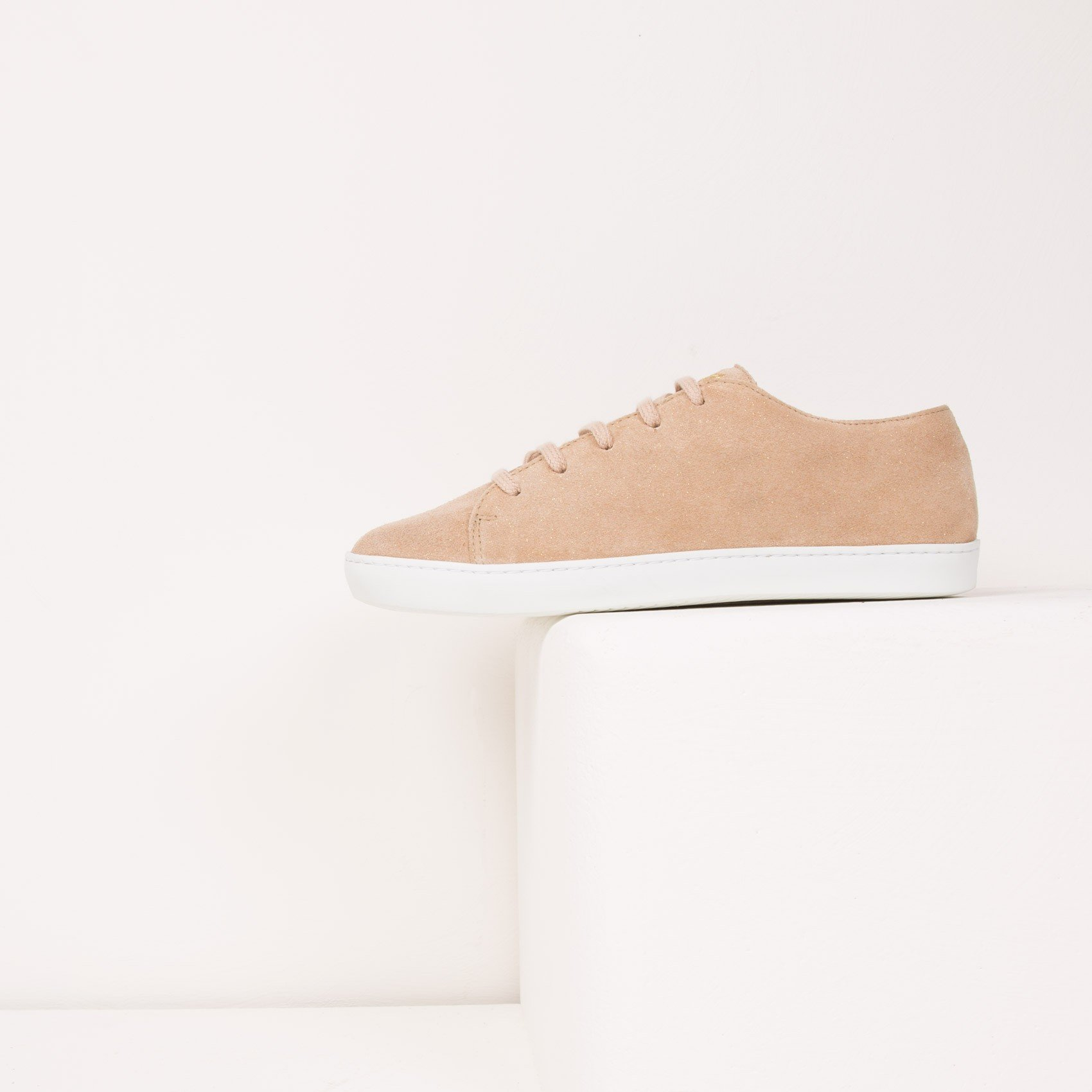 Bobbies Sneakers sable etoile la tete en l'air