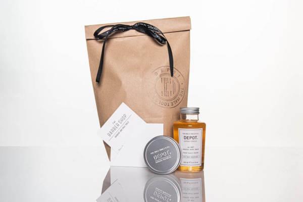 Подаръчен ПРОМО сет - душ гел, клей за коса + ваучер за подстригване