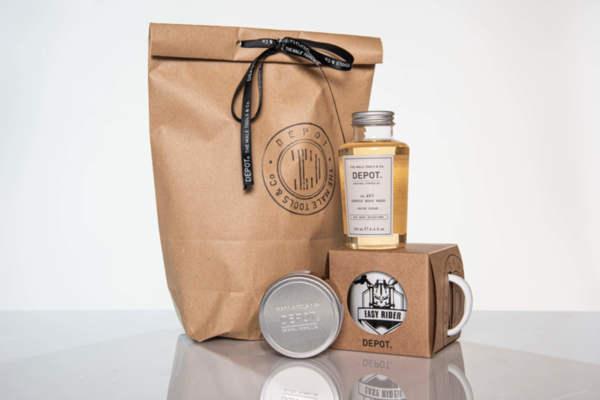 Подаръчен ПРОМО сет Depot вакса за коса, душ гел за тяло и емайлирано канче
