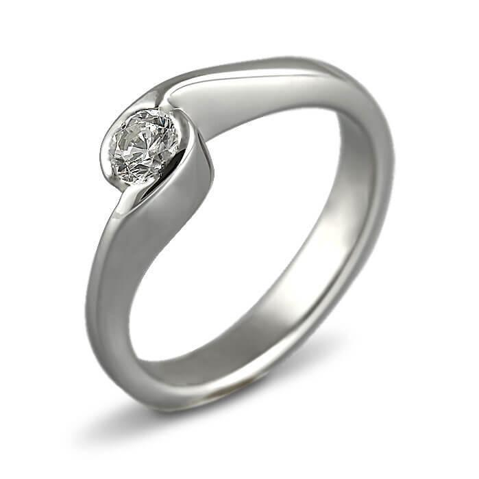 Годежен пръстен бяло злато с диамант 0.20 ct.
