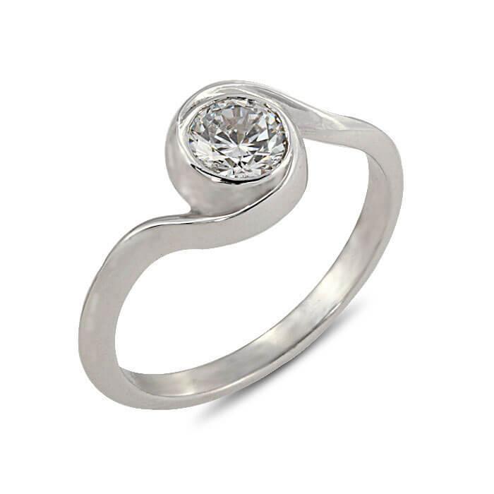 Годежен пръстен бяло злато с диамант 0.47 ct.