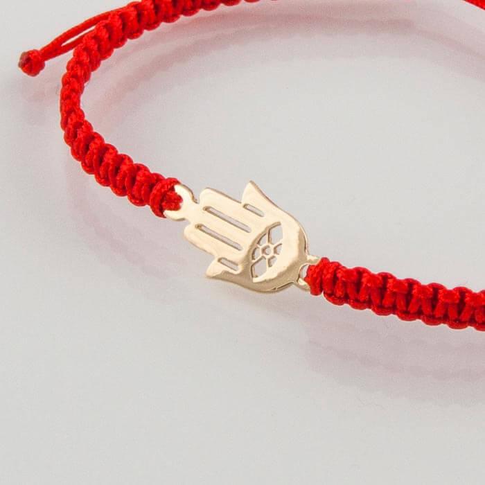 Гривна плетена с червен конец жълто злато Хамса