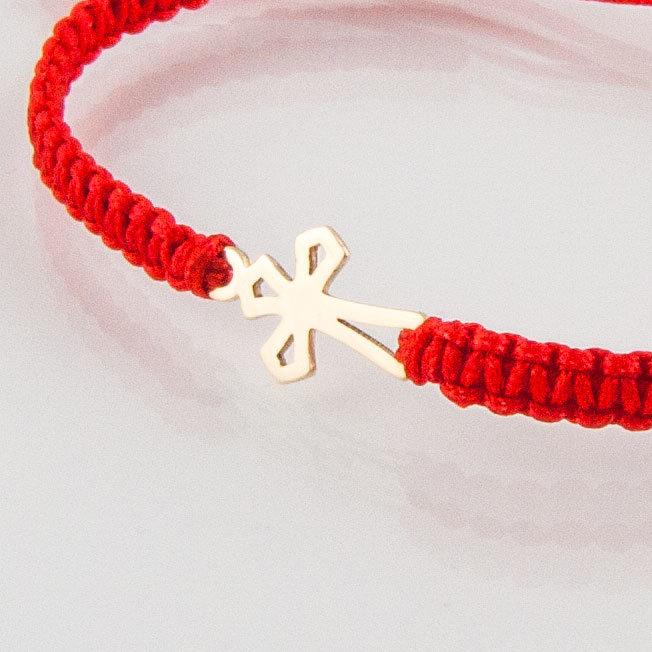 Гривна плетена с червен конец жълто злато кръстче ромб