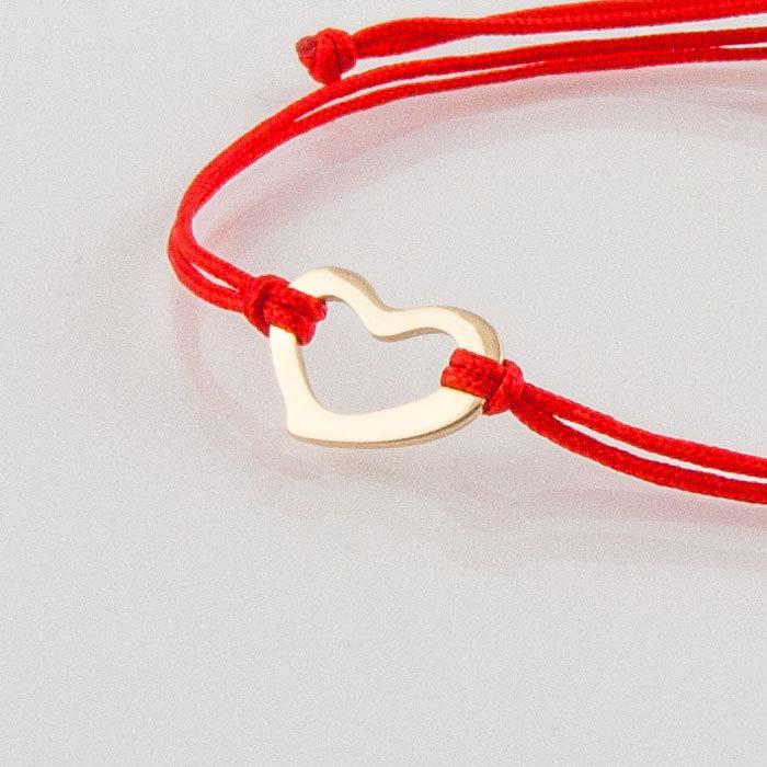Гривна с червен конец жълто злато сърце