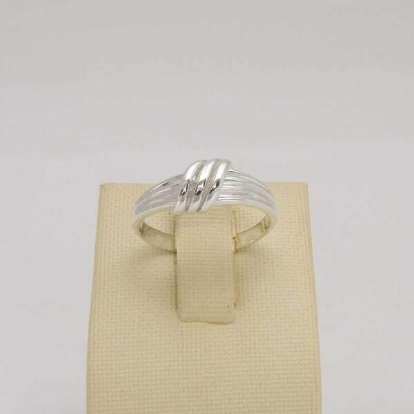 Сребърен пръстен R-098
