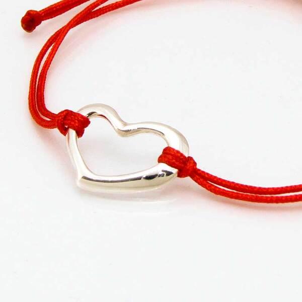 """Сребърна гривна с червен конец """"Сърце"""""""