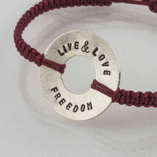 """Сребърна гривна """"Live, Love, Freedom"""""""