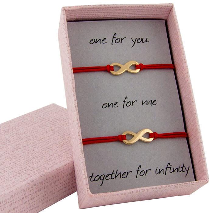 Гривни с червен конец жълто злато единична безкрайност в кутийка с послание