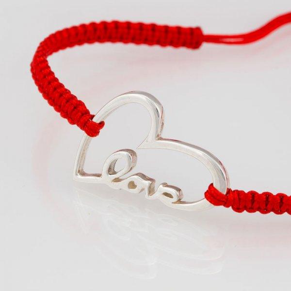 """Сребърна гривна с червен конец """"LOVE"""""""