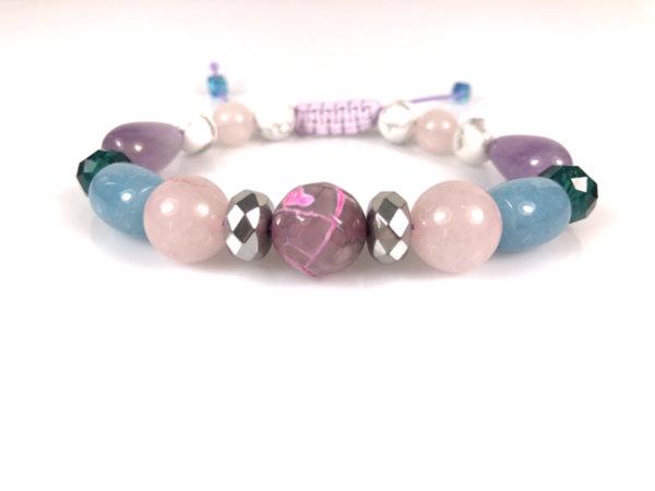 Дамска плетена гривна с камъни за късмет, вярност и любов