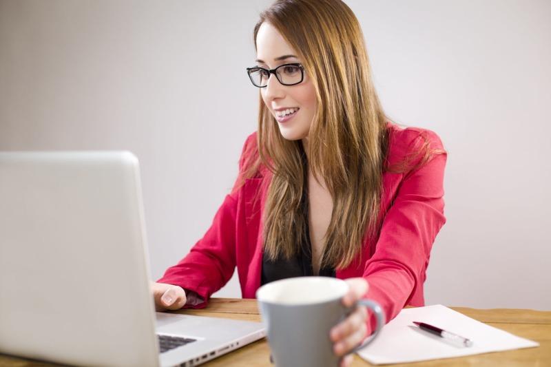 Упражнения за здрави стави на работното място