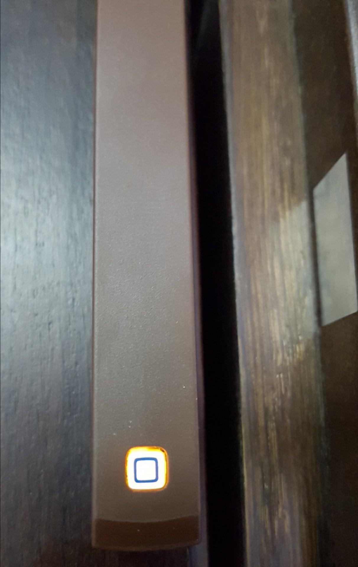 Homematic IP Стартов Комплект Сигурност за Smart Home с Точка за достъп PIR Датчик за движение и Сензор за прозорец врата