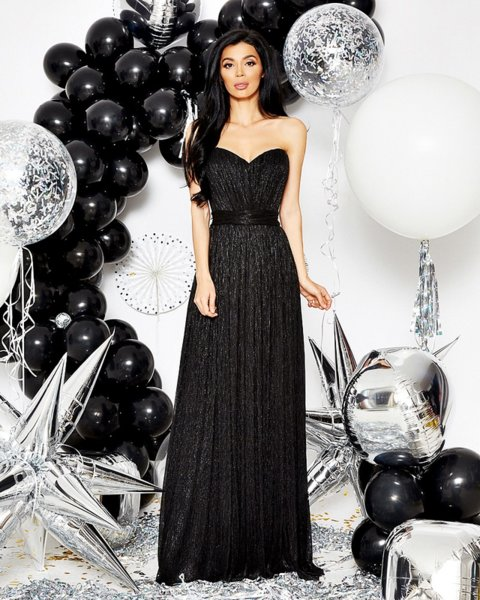 ЛИМИТИРАНА Новогодишната рокля на Меги - КОРСЕТ
