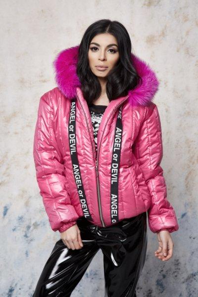 Мегз  якето което привлича всички погледи