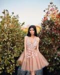 Мегз къса рокля от тюл и 3D цветя и камъни