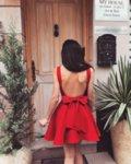 Мегз рокля с гол гръб и панделка