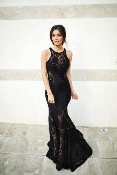 Мегз дълга дантелена рокля в черно