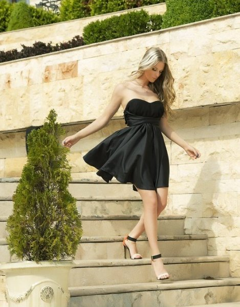 Мегз рокля с преплетено бюстие