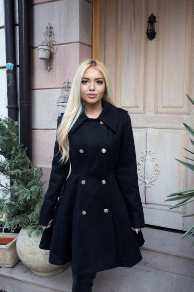 Мегз елегантно палто в черно