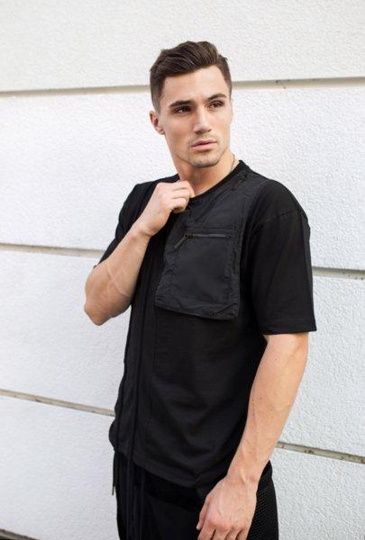 Тениска с метални детайли и джобове 2