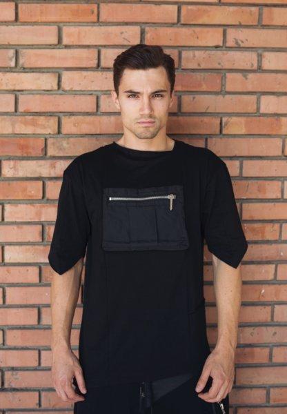 Тениска с асиметричен дизайн, мрежа и уголемен джоб