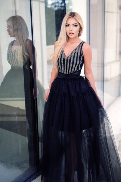 Мегз дълга рокля с камъни и тюл в черно