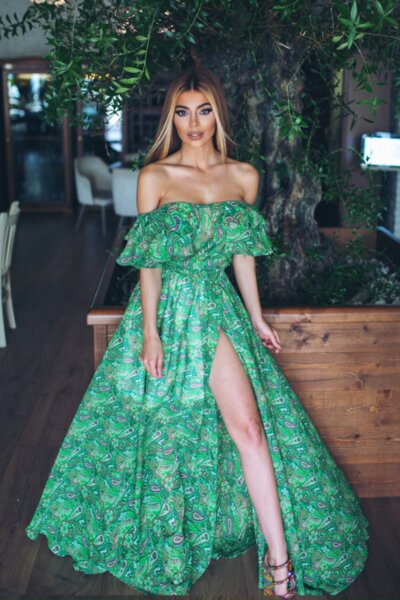 Мегз новата любима рокля на Меги