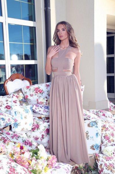 Мегз Дълга рокля с изрязани детайли