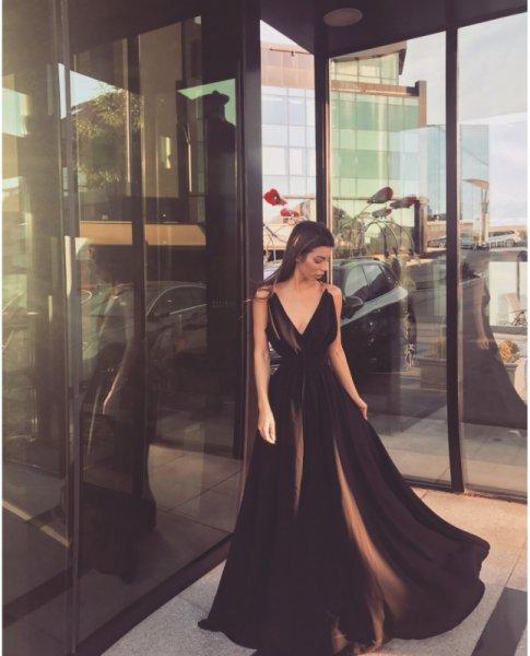 Мегз дълга рокля с метални детайли