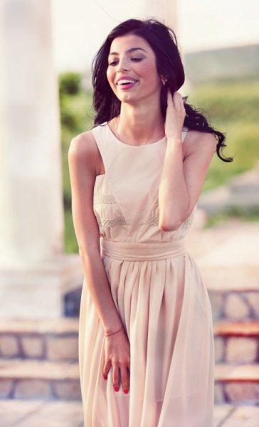 Мегз асиметрична рокля с бюстие