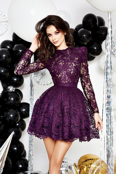 Мегз дантелена рокля