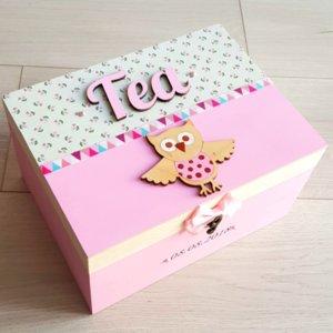 Дървени кутии за спомени с продукти Изображение
