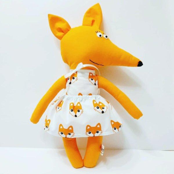 Ръчно изработена играчка/възглавничка от плат Лисанка