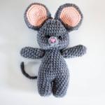 Ръчно плетена играчка от бебешка прежда Зайче/ видове-Copy