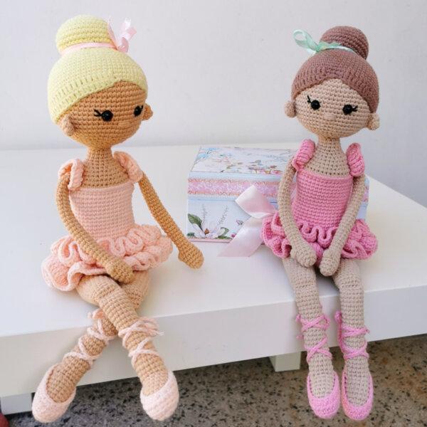 Ръчно плетена играчка Златни момичета
