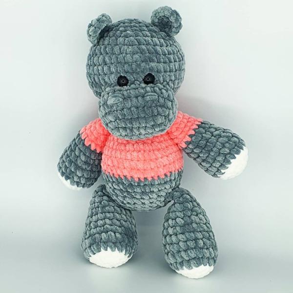 Ръчно плетено играчка от бебешка прежда Хипопотам