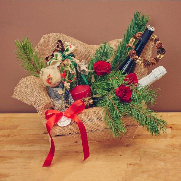 """Подаръчна кошница """"Венче"""""""