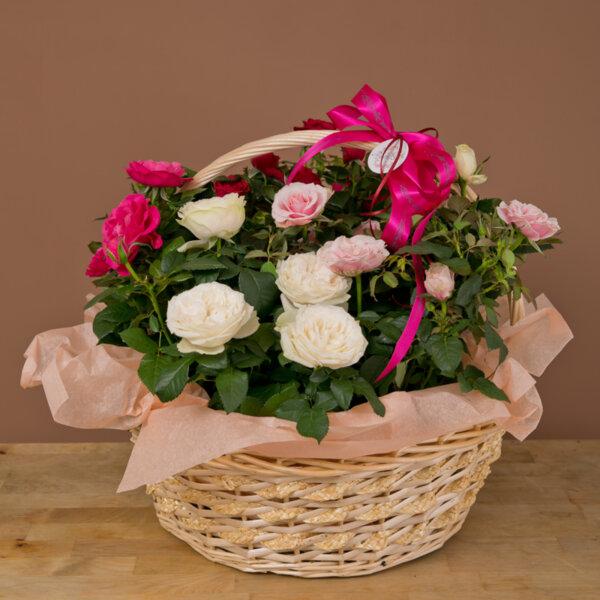 """Кошница """" Градина от рози"""""""